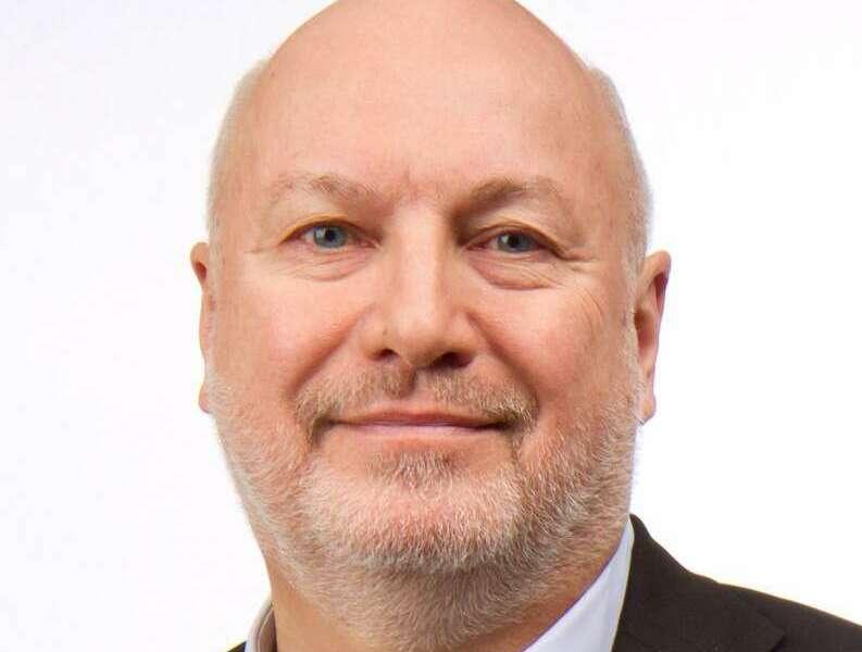 Headshot of Lee Frederiksen