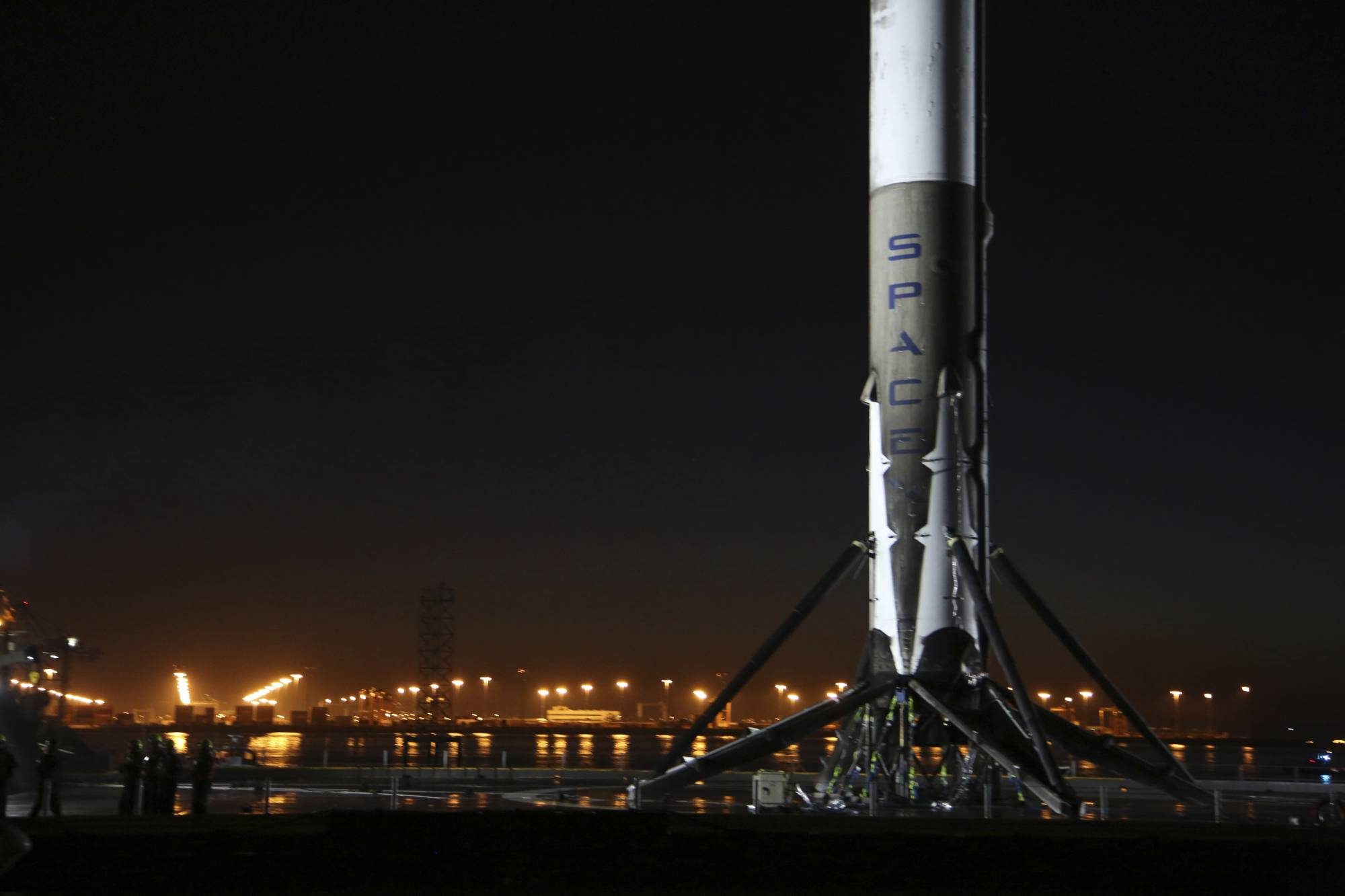 spacex hawthorne rocket - 1024×682