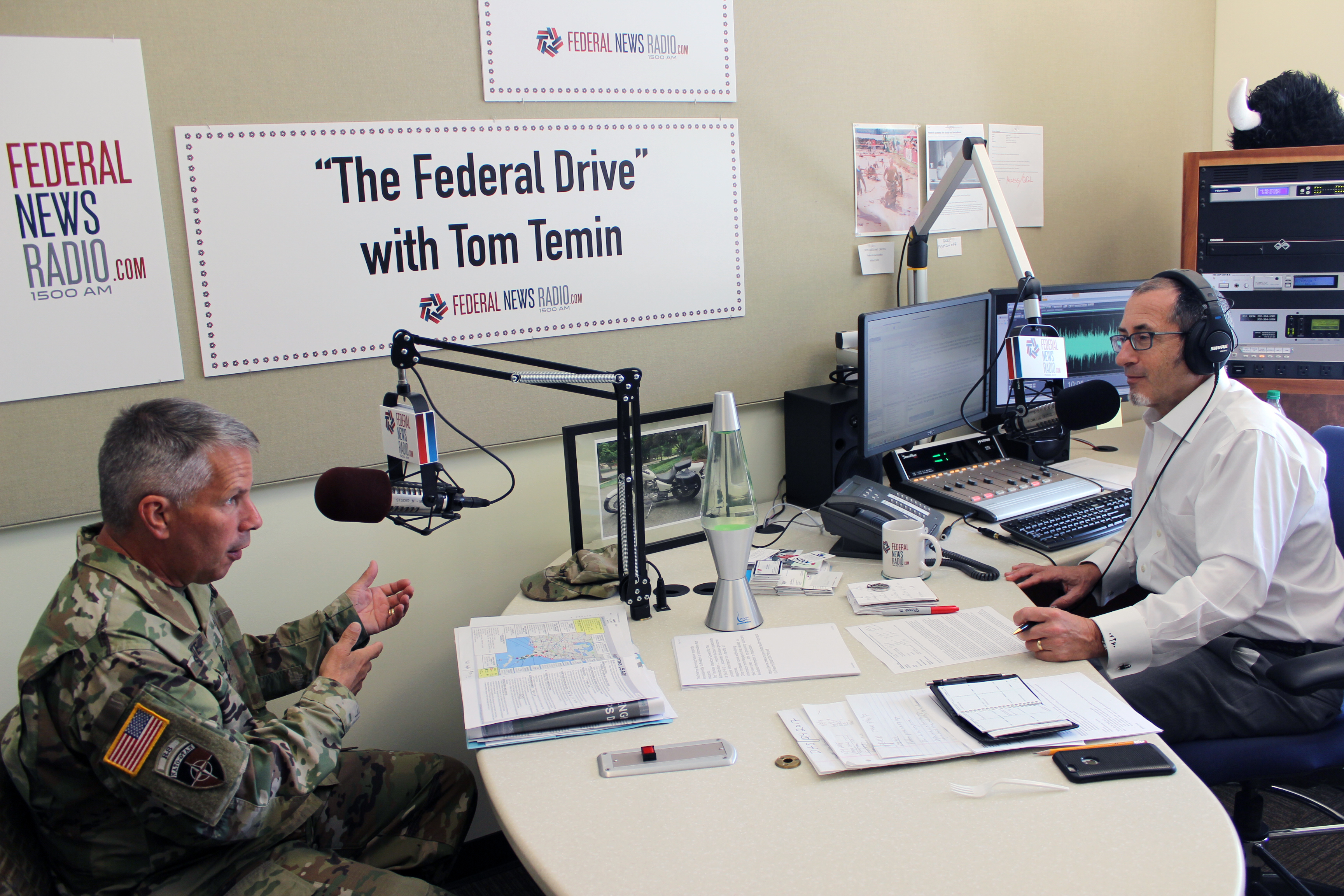 Federal Drive host Tom Temin, right, interviews Lt. Gen. Todd Semonite, the Army's commander and chief of engineers.