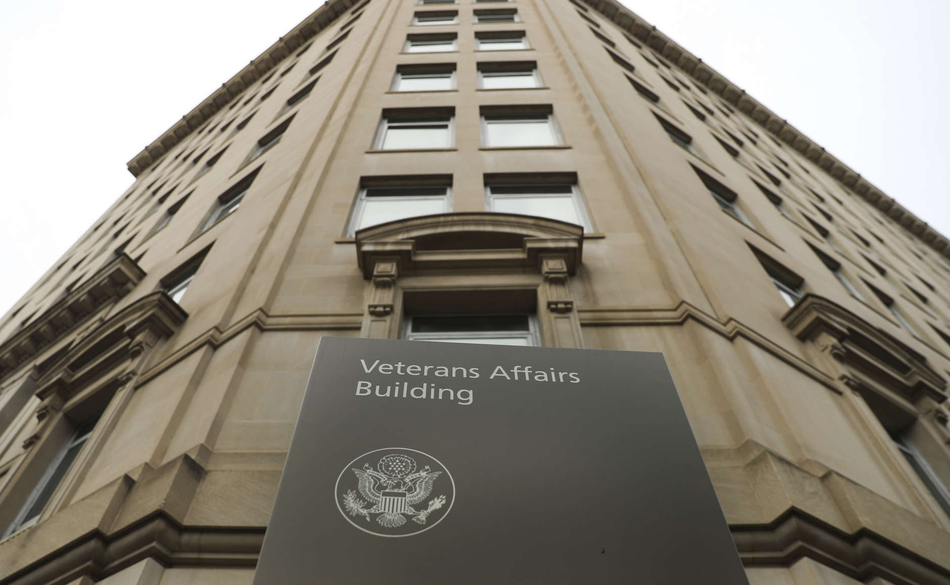 New Va Bargaining Proposals Set Up Heated Battle Over
