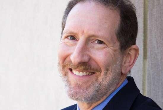 Head shot of Steve Schooner
