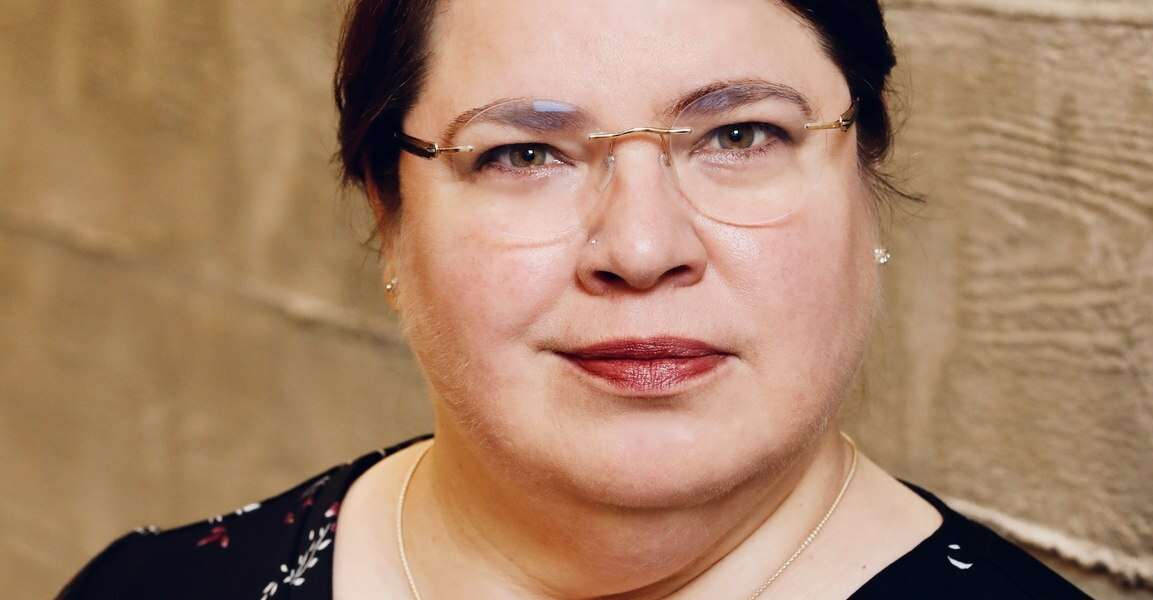 Head shot of Diana Volere