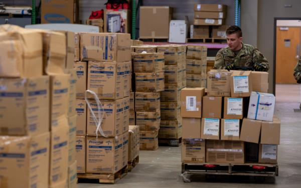 National Guard personnel under Title 32 duty status, in which the federal government funds 100% of the cost for the troops. Over 28,000 activated National Guard troops are helping state and local governments with: 🔹 Logistical support in warehouses to support food distribution 🔹 Medical screening and testing 🔹 Supporting correctional facilities Learn more about this and other types of federal support for COVID-19 response: