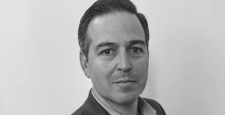 Head shot of Enrique Oti