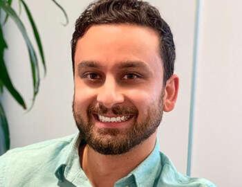 Head shot of Arash Rahnama