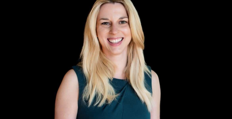 Headshot of Amber Hart