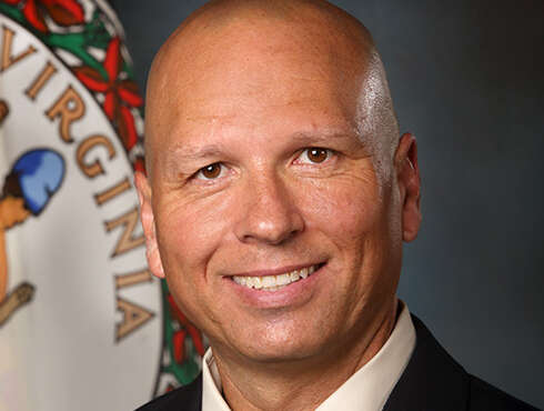 Head shot of Carlos Rivero