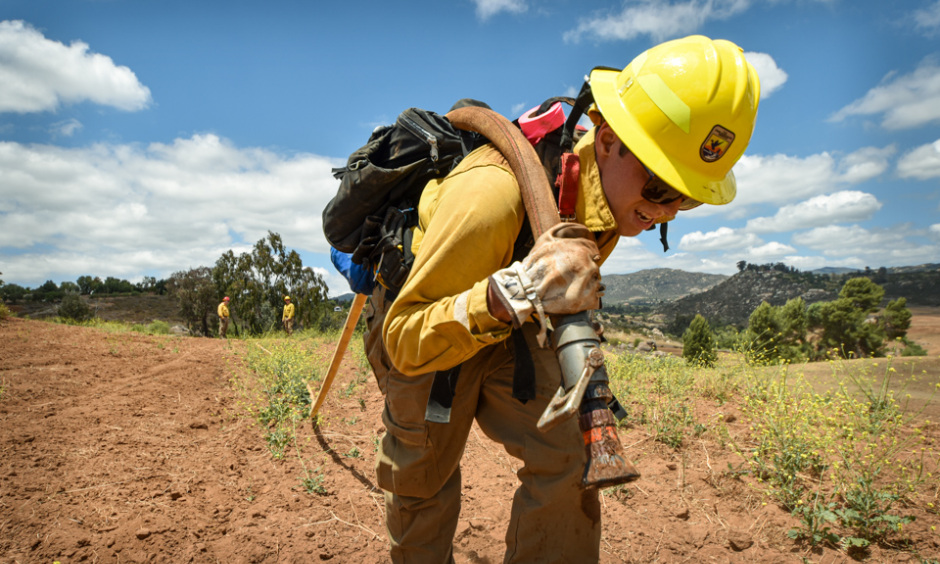 Practice makes perfect: firefighter Nick Vallardo trains with an engine crew as they prepare for the coming wildfire season. (Lisa Cox, U.S. Fish & Wildlife Service)