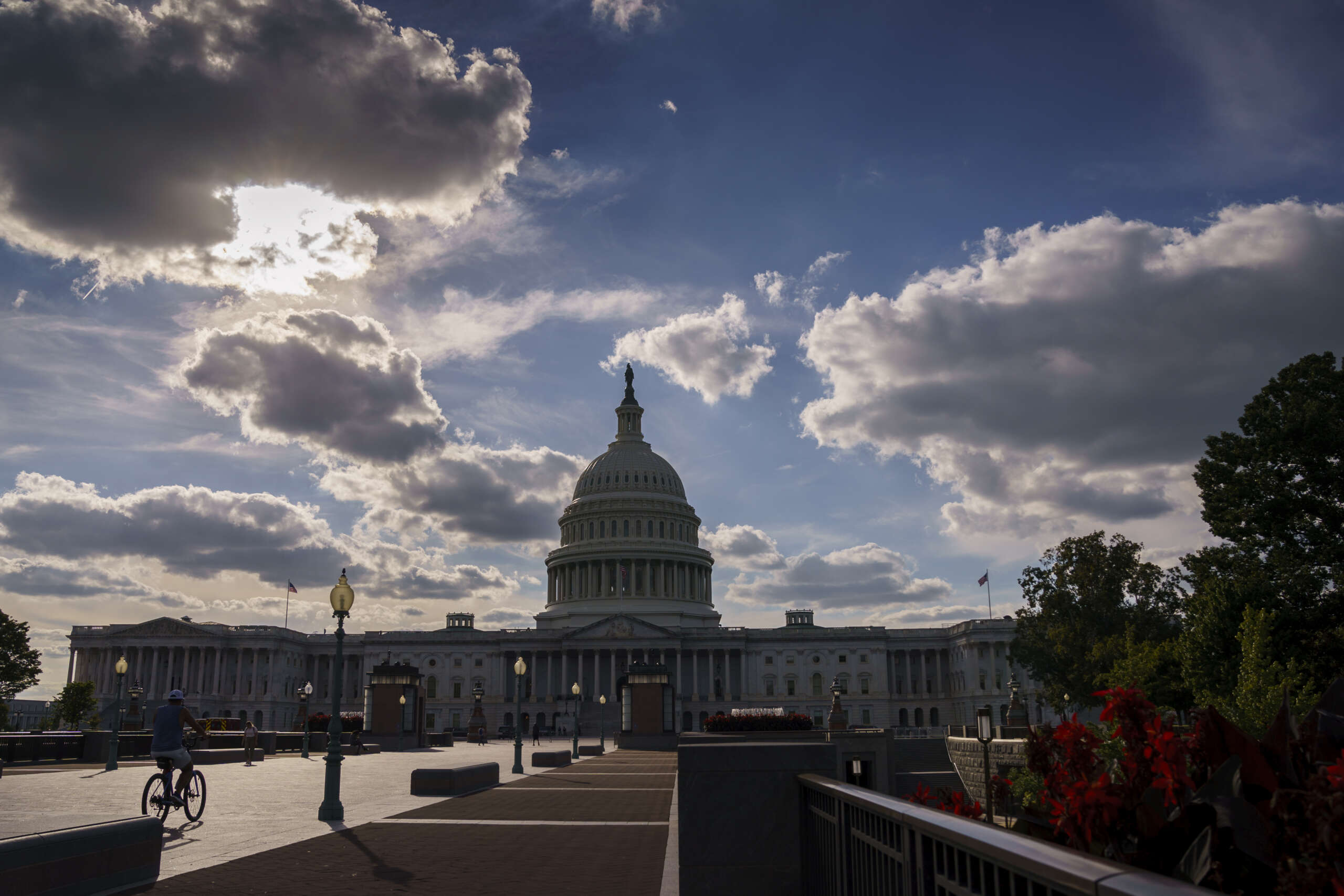 OMB tells agencies to start planning for possible government shutdown - Federal News Network