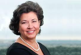 Martha Dorris, GSA's deputy associate administrator for innovative technologies