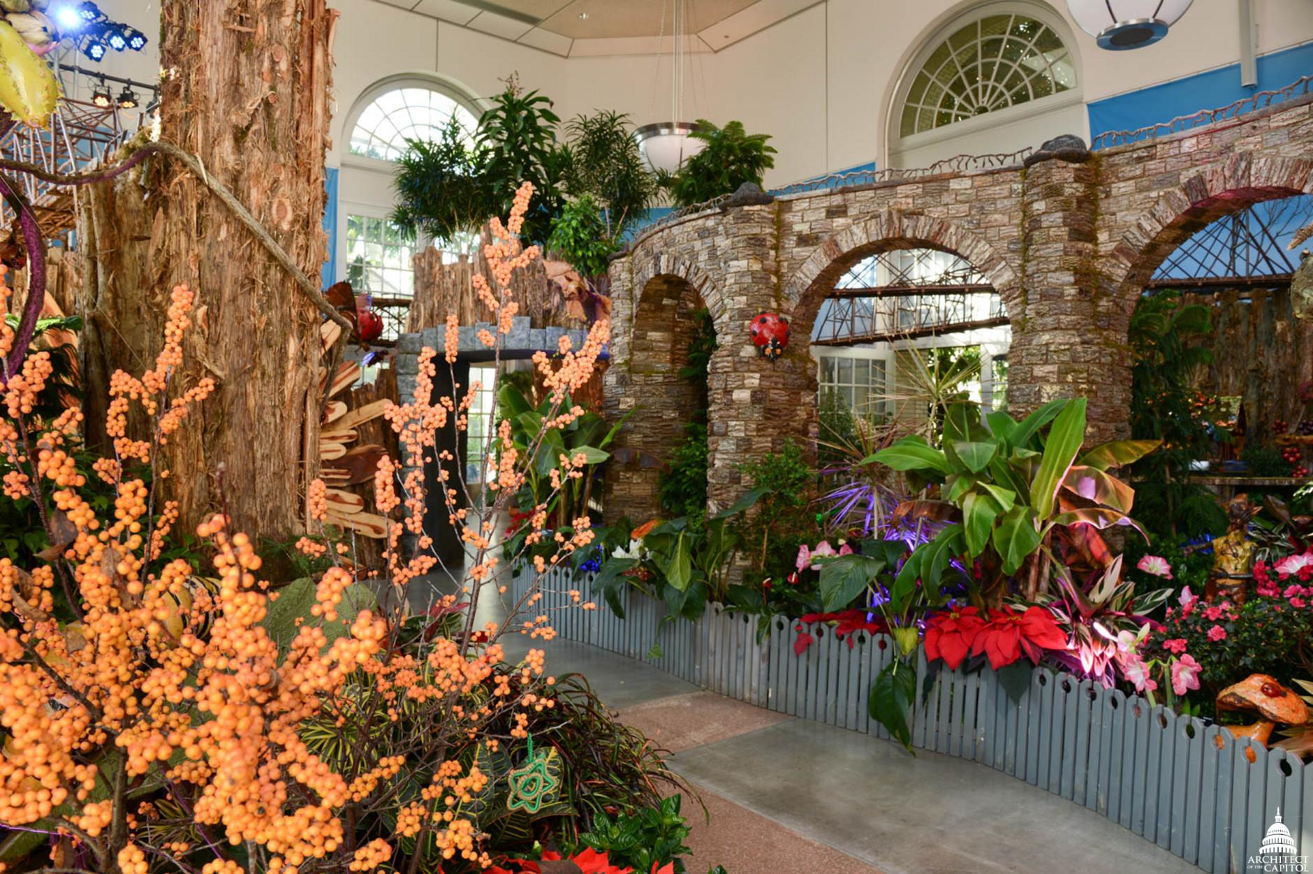 Botanic Garden recreates D.C. landmarks in holiday exhibit