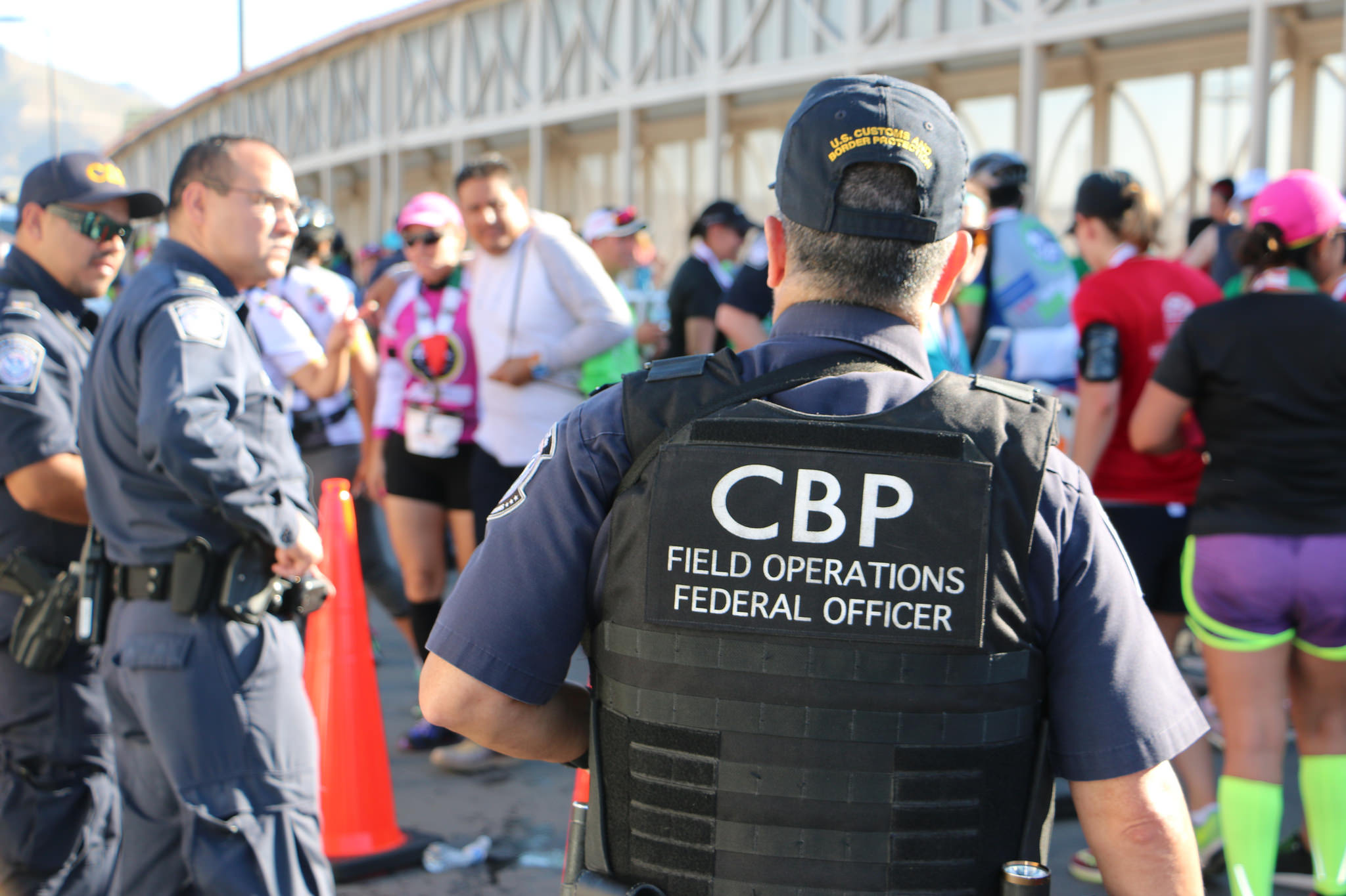 Cbp Oversees Us Mexico 10k Race On Border