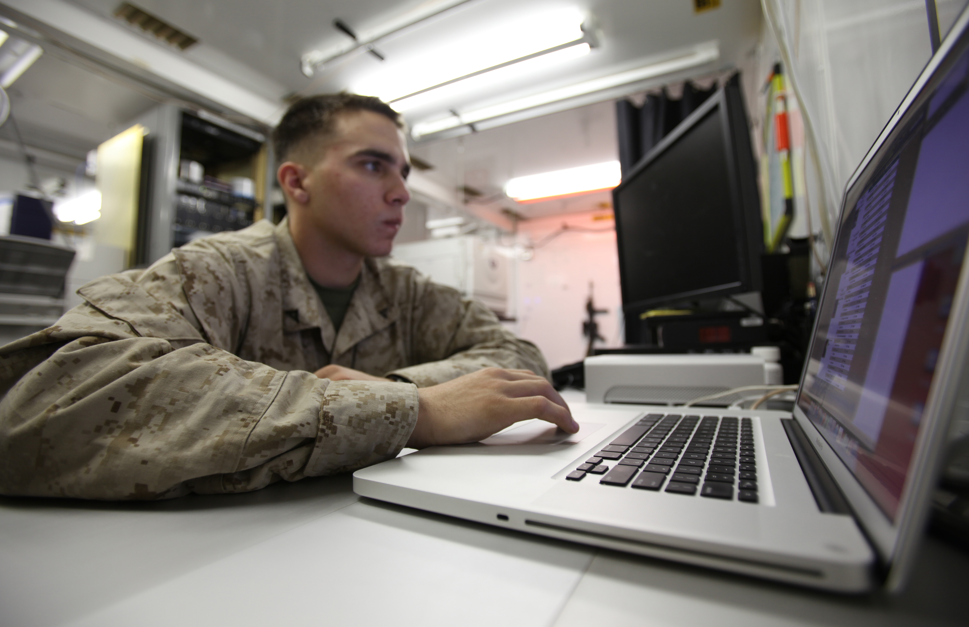 in marine corps long outdated job descriptions cause recruiting retention challenges federalnewsradiocom