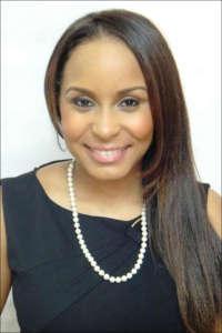Head shot of Dr. Lisa Matthews